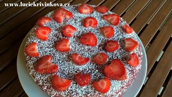 Letní zdravá dortová inspirace – bezlepkový jahodovo kakaový dort