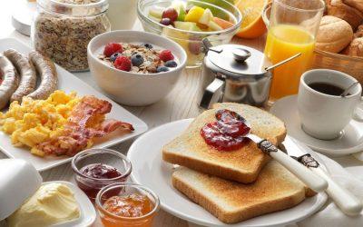 Jak jíst zdravě i na dovolené? – 5 tipů na jednoduchá zdravá jídla, se kterými si cestování bez obav užijete