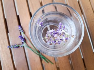 Levandulová voda bez cukru